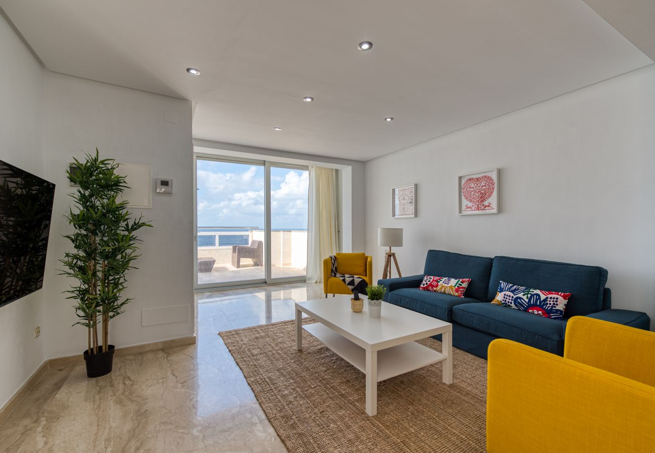 Ferienhaus in Las Palmas de Gran Canaria - Awesome 3 bedrooms front line with terrace by CanariasGetaway