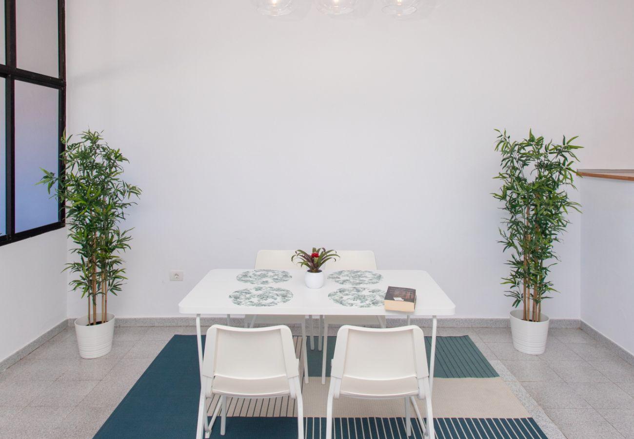 Ferienwohnung in Arinaga - Front line Apartment by CanariasGetaway