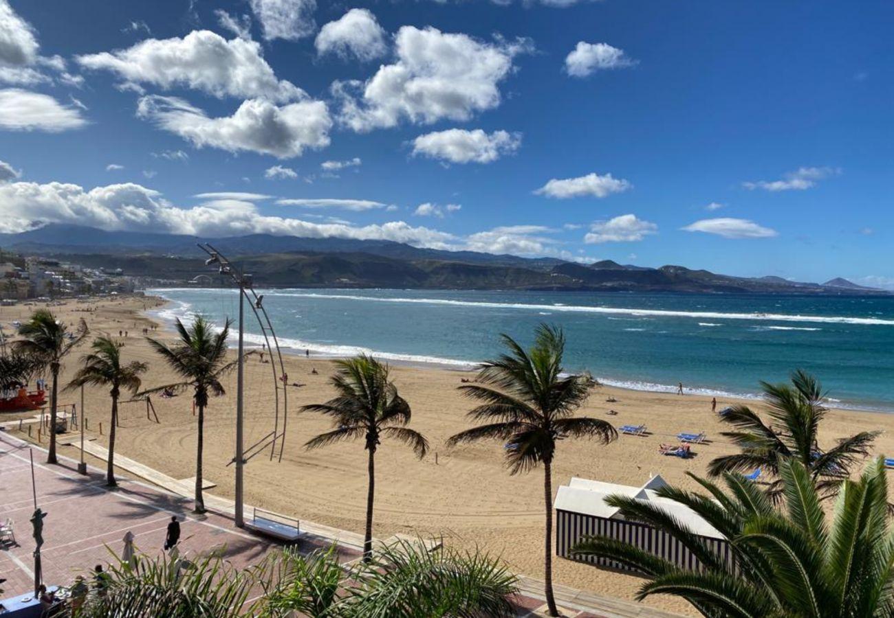 Ferienwohnung in Las Palmas de Gran Canaria - Huge Balcony over Las Canteras By CanariasGetaway