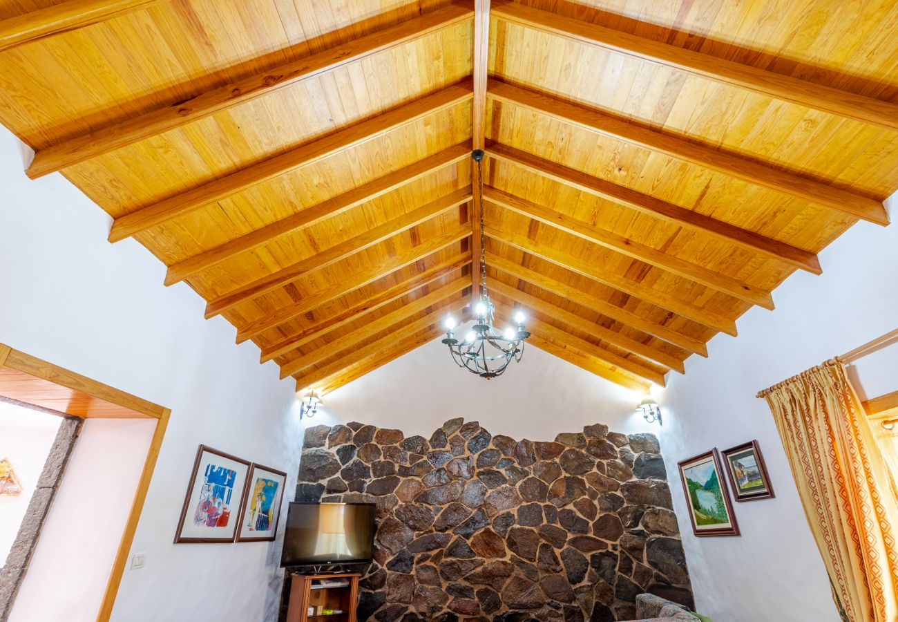 Landhaus in Moya - Mari House With Jacuzzi and BBQ by CanariasGetaway