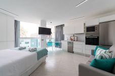 Appartement à Las Palmas de Gran Canaria - NEW, DOWNTOWN, PEDESTRIAN AREA NEAR THE BEACH WITH WIFI APARTAMENT GETAWAY 203
