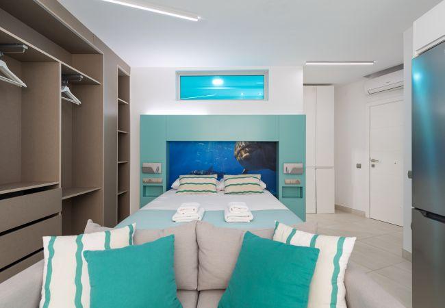 Appartement à Las Palmas de Gran Canaria - NEW, DOWNTOWN, PEDESTRIAN AREA NEAR THE BEACH WITH WIFI APARTAMENT GETAWAY 304