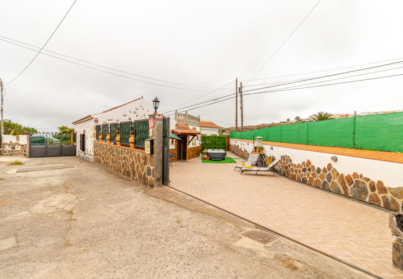 Gîte Rural à Moya - Casa Mari by CanariasGetaway