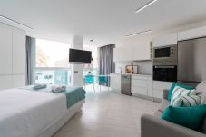 Appartamento a Las Palmas de Gran Canaria - NEW, DOWNTOWN, PEDESTRIAN AREA NEAR THE BEACH WITH WIFI APARTAMENT GETAWAY 203