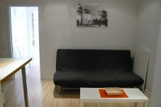 Apartment in Barcelona - Restored, stylish and sunny light apartment for rent in Barcelona center, Gracia.