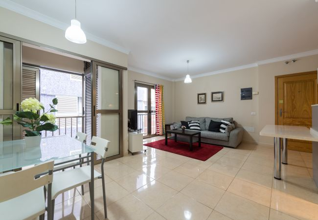 Apartment in Las Palmas de Gran Canaria - PRACTICAL AND COMPLETE NEXT TO THE BEST BEACH