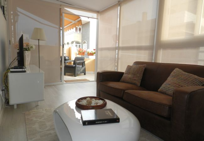 Apartment in Las Palmas de Gran Canaria - ATTIC NEXT TO THE BEACH FR 66 PERFECT LOCATION