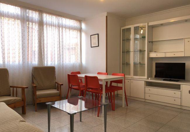 Apartment in Las Palmas de Gran Canaria - AL LADO DE LA PLAYA - 3 HAB. - P.30