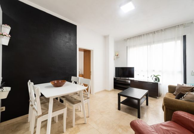 Apartment in Las Palmas de Gran Canaria - BEHIND THE BEACH FOR FOUR PEOPLE