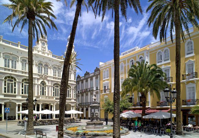Apartment in Las Palmas de Gran Canaria - SPORT BEACH CANTERAS + WIFI BY CANARIASGETAWAY