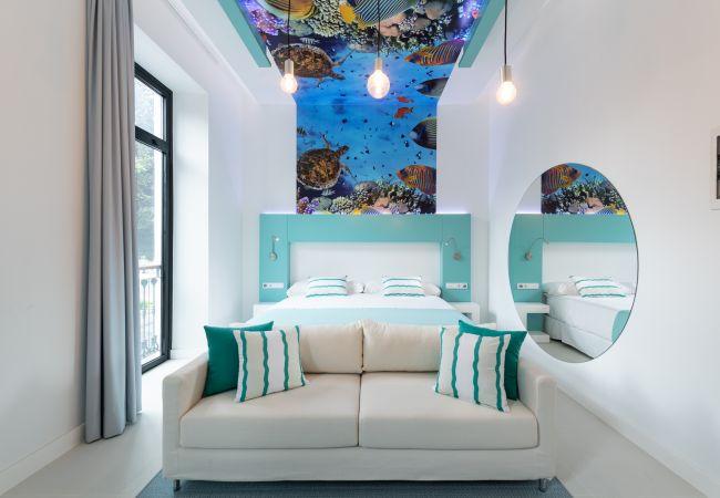 Rent by room in Las Palmas de Gran Canaria - 102 - DOUBLE SUPERIOR PARK VIEW