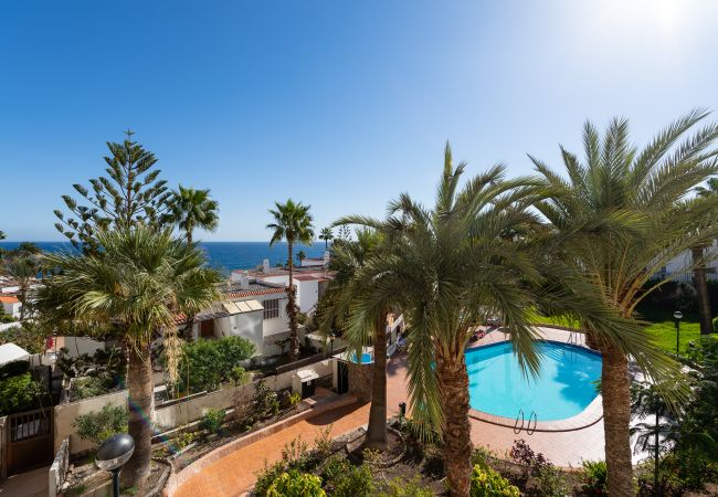 Apartment in San Bartolomé de Tirajana - Aguila Beach 7 + wifi by Canariasgetaway. Next to the beach and with pool