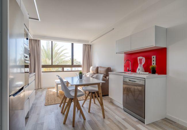 Apartment in San Bartolomé de Tirajana - Aguila Beach 8 + wifi by Canariasgetaway. Near the beach and with pool