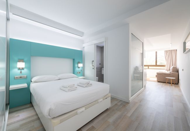 Apartment in San Bartolomé de Tirajana - Aguila Beach 9 + wifi by Canariasgetaway. Near the beach and with pool