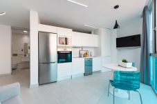 Apartment in Las Palmas de Gran Canaria - NEW, DOWNTOWN, PEDESTRIAN AREA NEAR THE BEACH WITH WIFI APARTAMENT GETAWAY 301