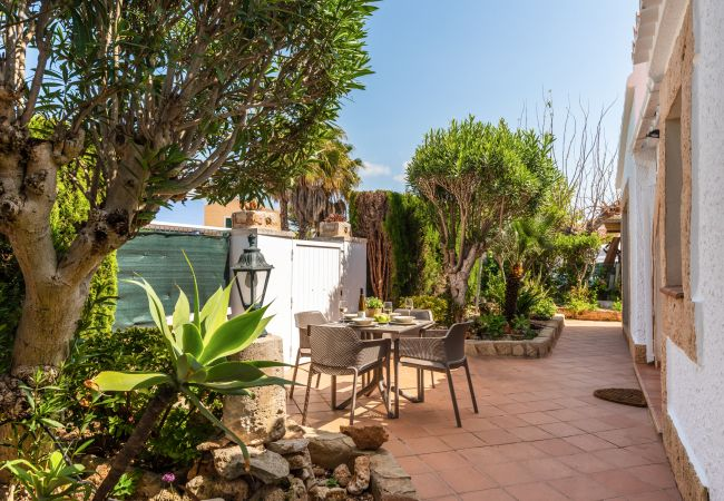 Villa/Dettached house in Cala Blanca - VILLA ONLY 300 M TO THE BEACH