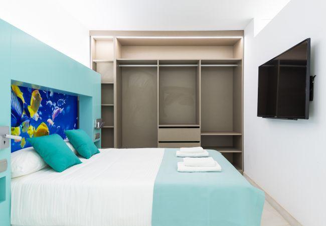 Apartment in Las Palmas de Gran Canaria - Edison, Midtown, beach, wifi by canariasgetaway 201