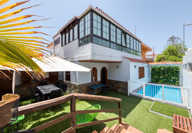 House in San Bartolomé de Tirajana - Great house with swimming pool close to the beach