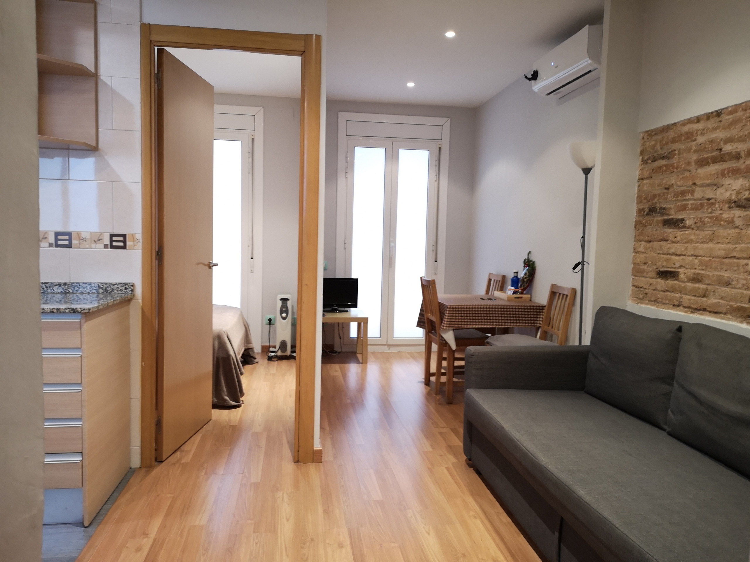 Cute, restored apartment for rent in Barcelona with ...