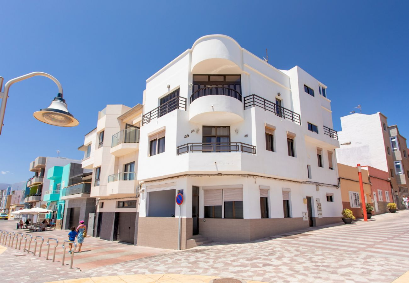 Apartment in Agüimes - Penthouse front line with terrace by CanariasGetaway