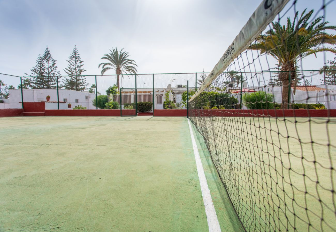 Bungalow in San Bartolomé de Tirajana - Confortable with terraces, pool and tenis by CanariasGetaway