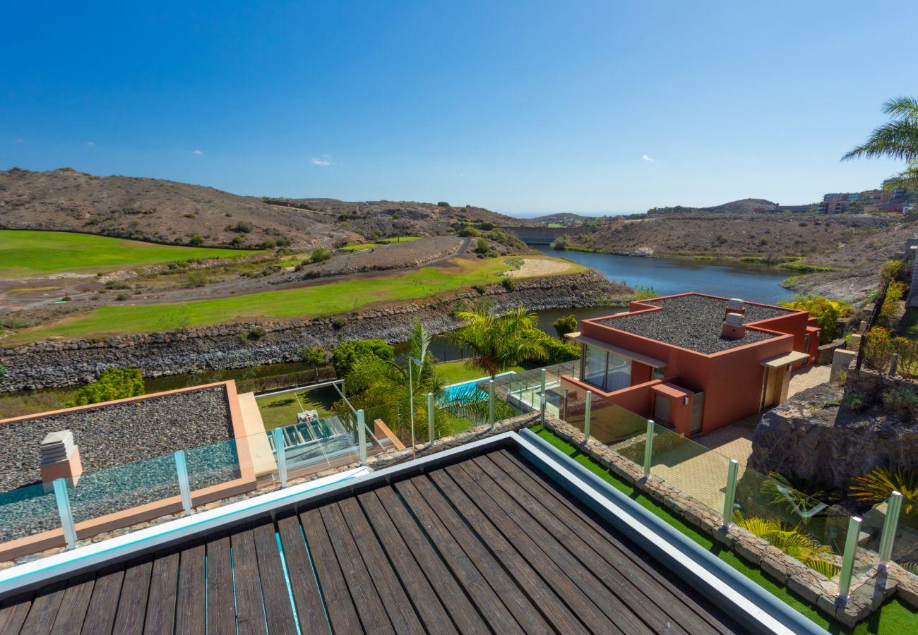 Villa in San Bartolomé de Tirajana - Villa los Dragos Salobre Golf by CanariasGetaway