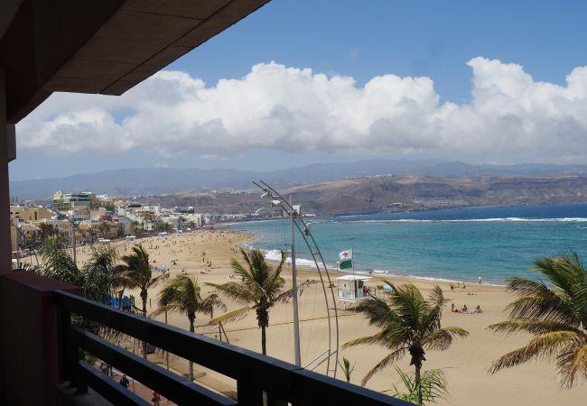 in Las Palmas de Gran Canaria - Huge Balcony over Las Canteras By CanariasGetaway