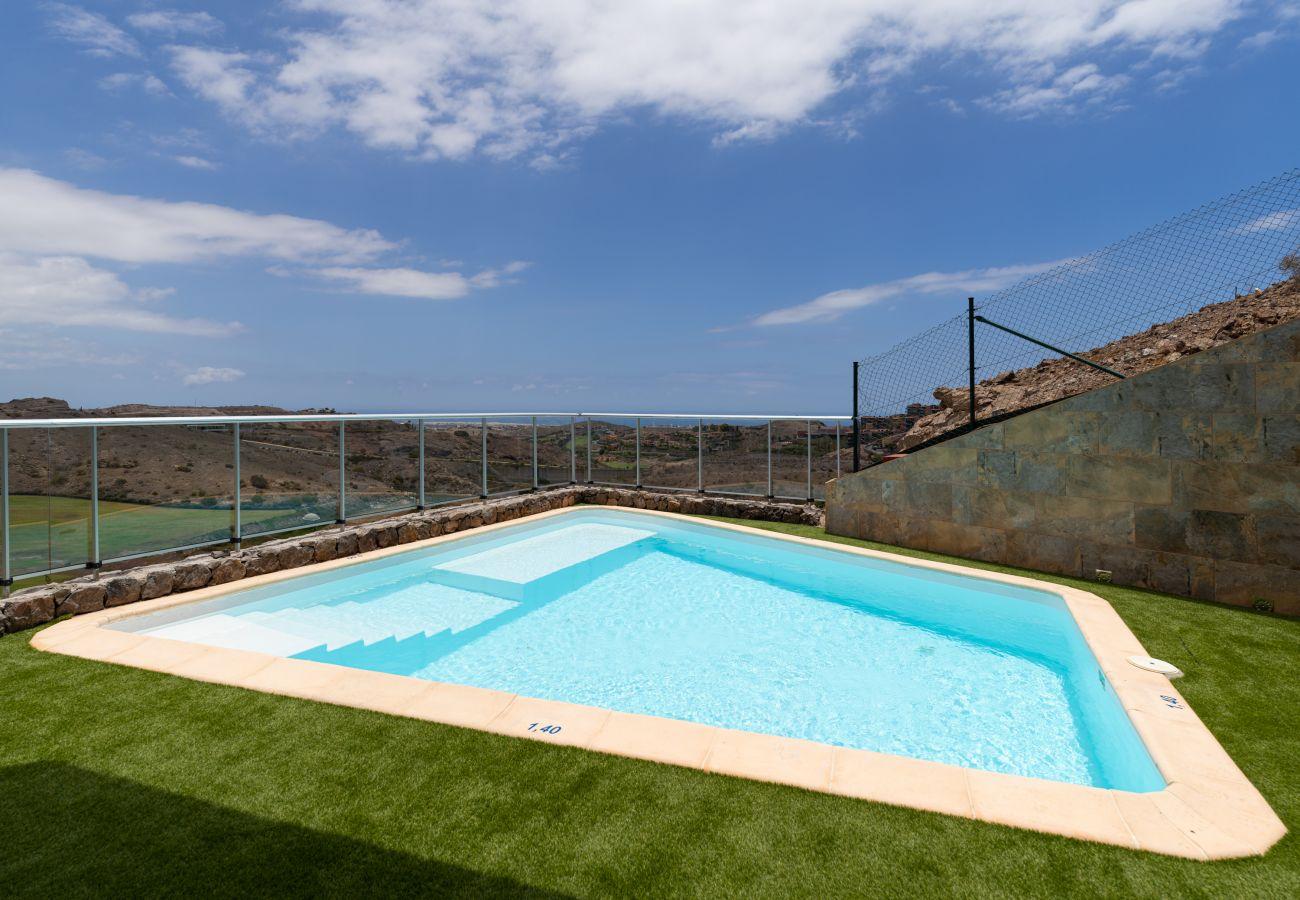Villa in San Bartolomé de Tirajana - Calm Ocean Views by CanariasGetaway